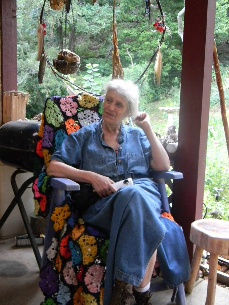 D'Coda grannywoman